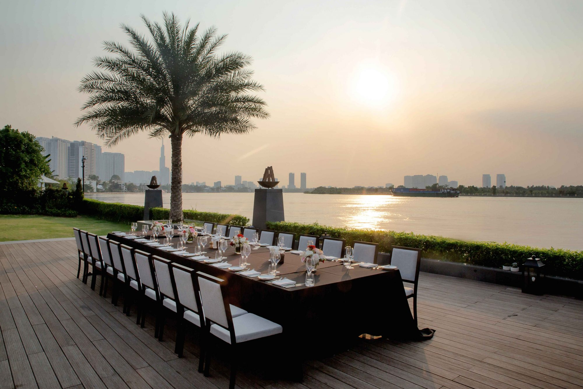 Hotel Deck – Long Table 4
